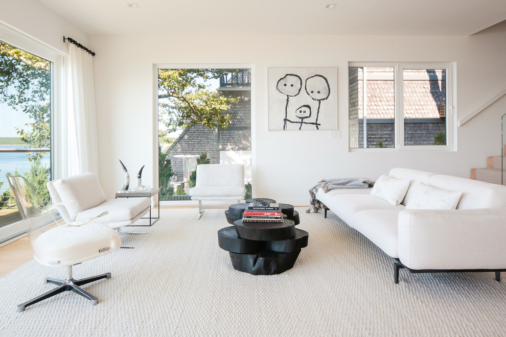 Inspiration for a modern living room remodel in New York