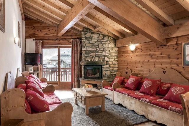 Salon Montagnard Dans Un ChaletRustic Living Room, Sussex