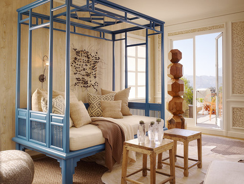 Asian style daybed - Daybed in living room ...