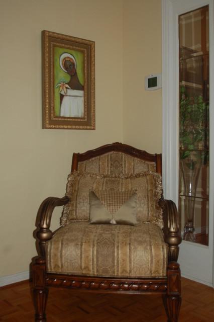Sanderling Crescent residence traditional-living-room