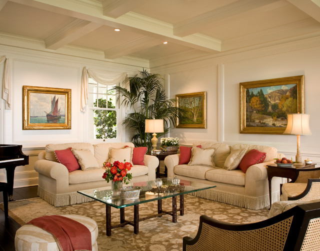 Beau Example Of A Coastal Living Room Design In Los Angeles