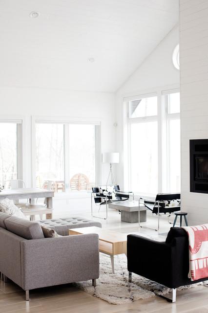 Beach Style Living Room Minneapolis