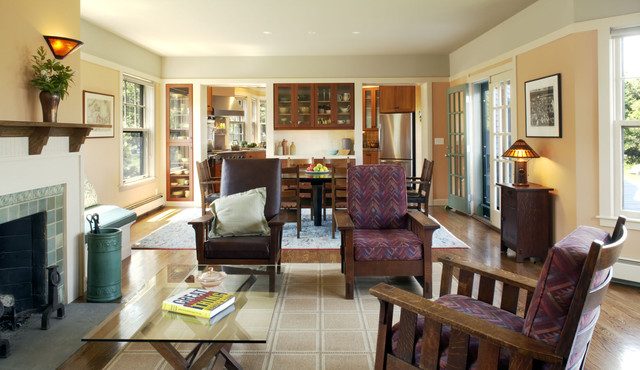 SeaBend traditional-living-room