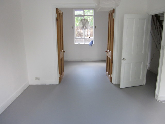 Seamless Resin Floors Poured Rubber Comfort Flooring For