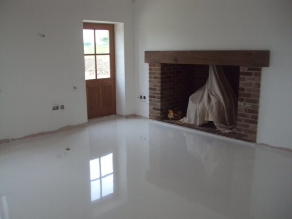 Seamless White Poured Resin Flooring For Luxury Farmhouse