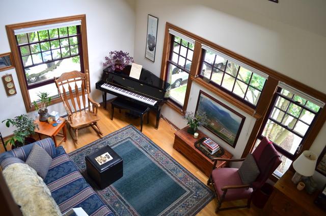 Seattle, WA: Betsy Greenman traditional-living-room