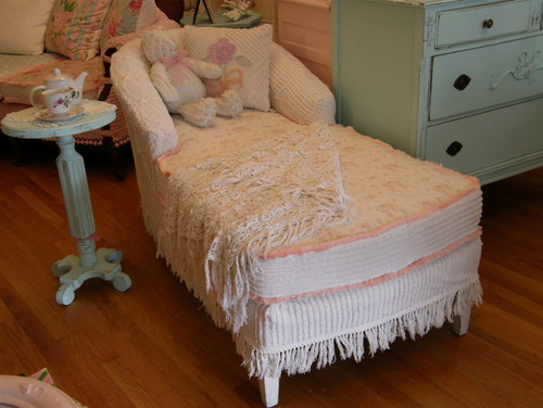 shabby chic chaise slipcovered vintage chenille bedspreads and roses fabrics eclectic living room