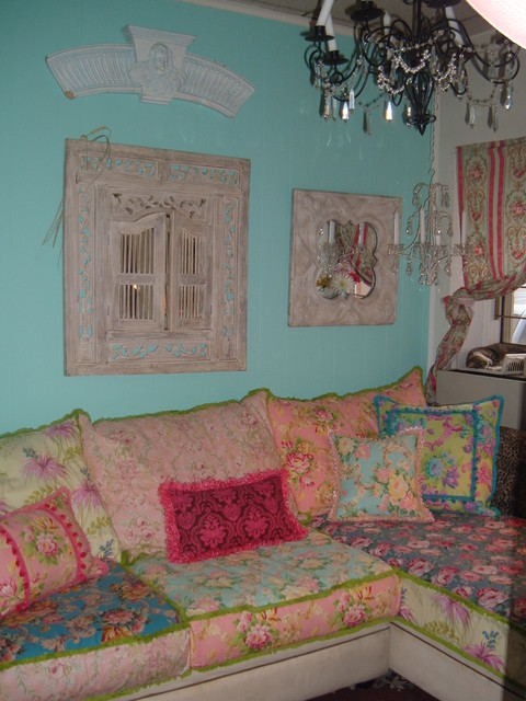 Shabby chic slipcovered sofa eclectic living room for Eclectic chic living room