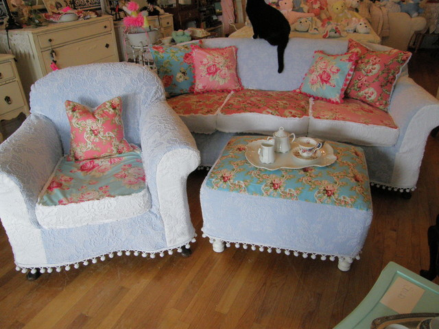 shabby chic sofa chair ottoman slipcovered chenille bedspreads roses pom poms eclectic living room