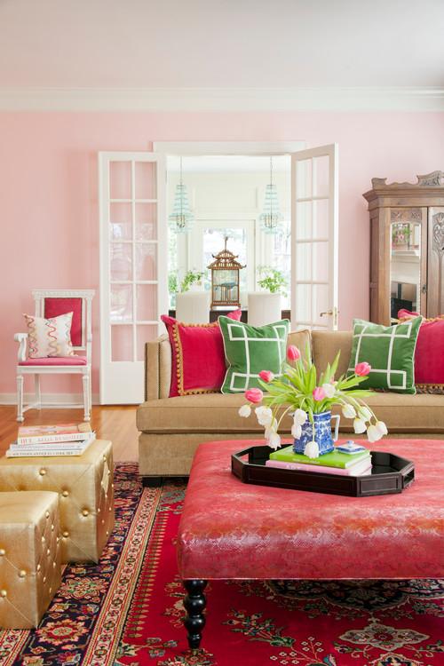 sala con paredes rosadas