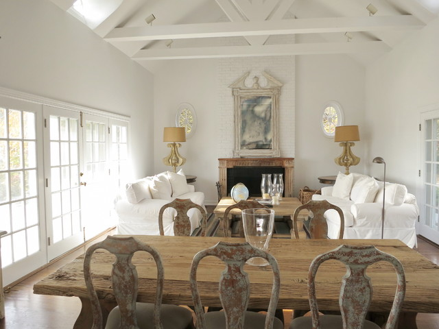 Refreshing a hamptons summer home shabby chic style for Salle a manger shabby chic