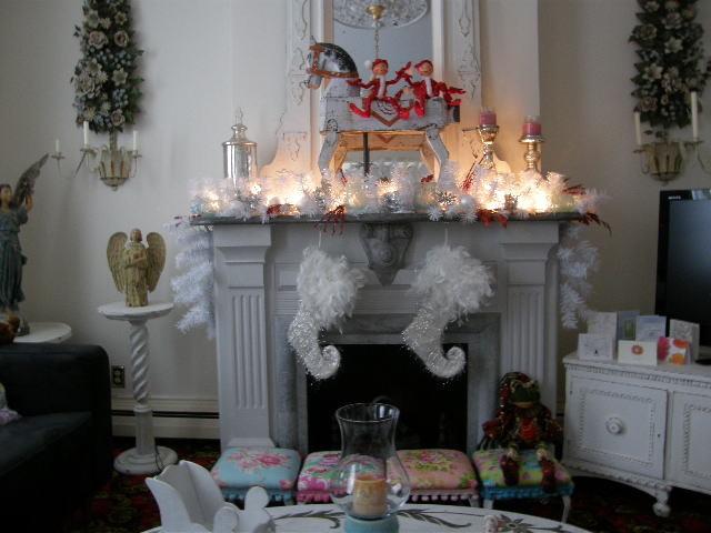 shabby chic white livingroom. Black Bedroom Furniture Sets. Home Design Ideas