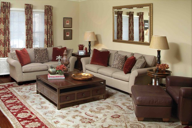 Traditional Living Space Photos: Informal Space