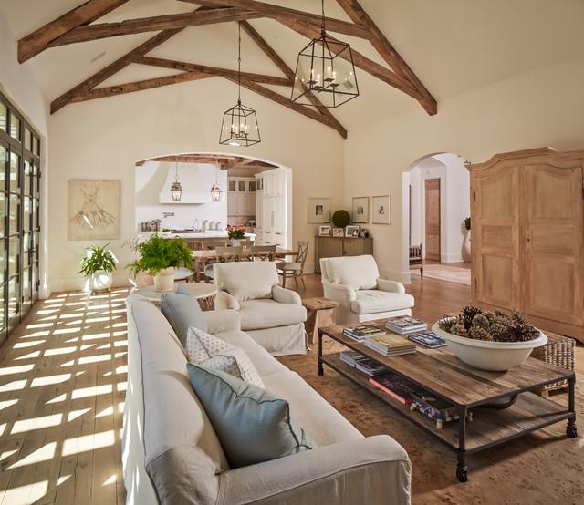 Shasta Traditional Living Room