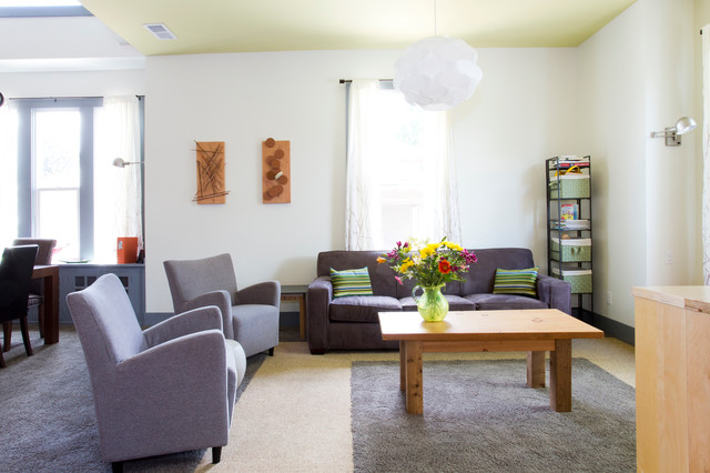 Shift Vacation Rentals- High Gear contemporary-living-room