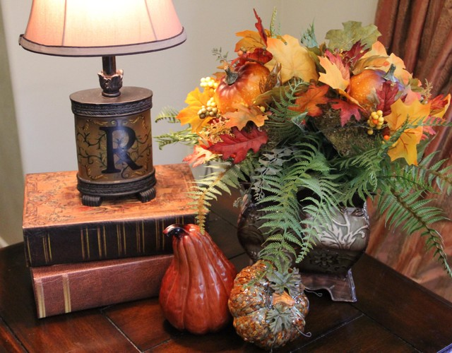 Side table living room decorated for fall for Living room fall decorating ideas