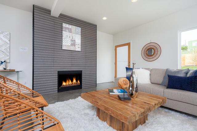 Sleek modern shoreline home for Modern sleek living room