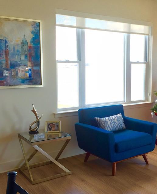 Sleek sophisticated living room modern living room for Modern sleek living room