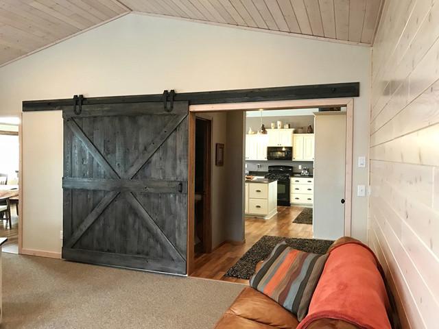 Sliding barn doors for Sliding barn door living room