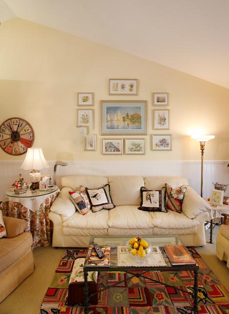 Small Cottage craftsman-living-room