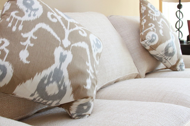 Traditional Sofa Pillows : Sofa & Pillows - Traditional - Living Room - new york - by Duarte Decor, LLC.