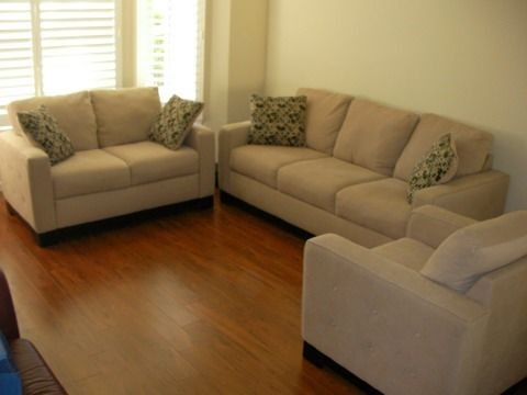 Example Of A Clic Living Room Design In Los Angeles