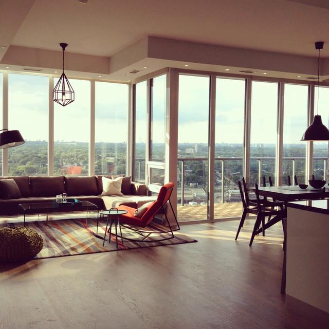 South Beach Condos (Toronto) modern-living-room