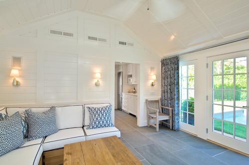 beach style living room - Amanda Seghetti