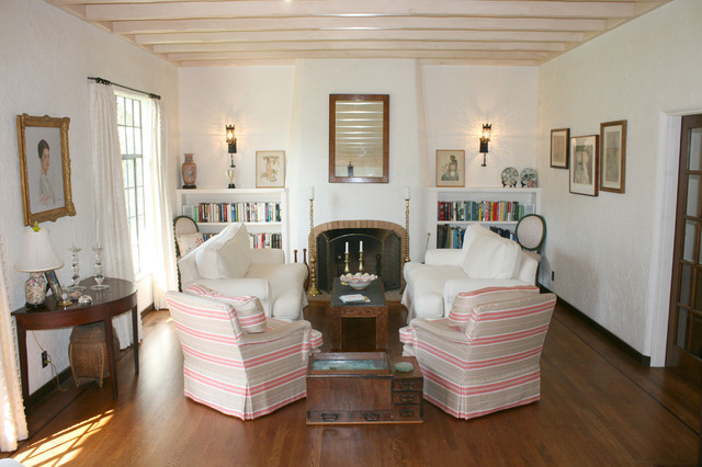Spanish Colonial traditional-living-room