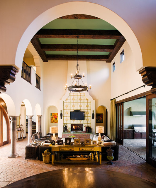 7112 Greenshores mediterranean-living-room