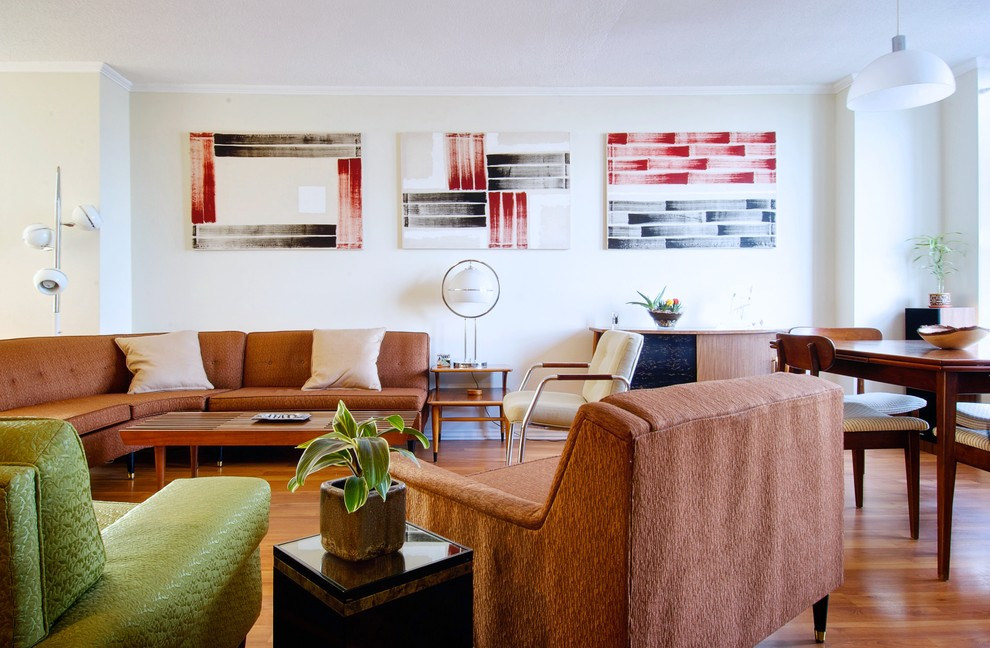 Design ideas for a retro living room in Toronto with beige walls.