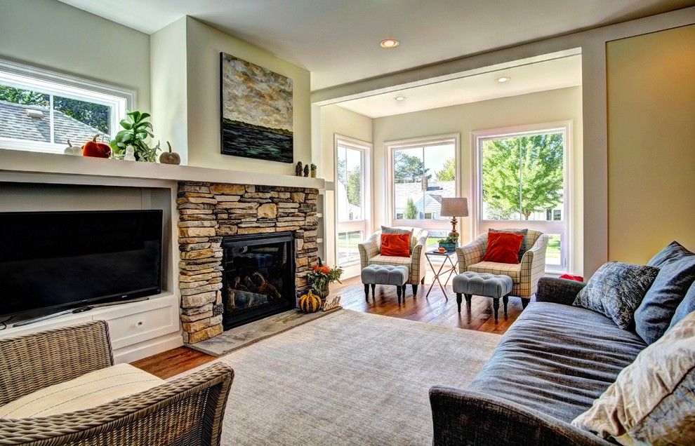 Inspiration for a living room remodel in Minneapolis