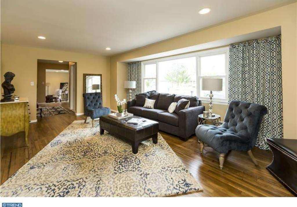 Staging - Living Room (East Windsor)