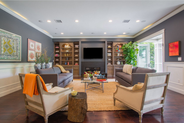 Transitional living room photo in Los Angeles