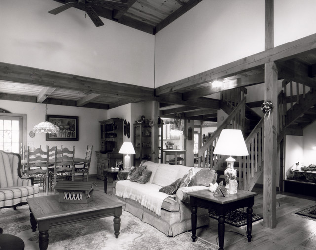 State Line Cupola Home traditional-living-room