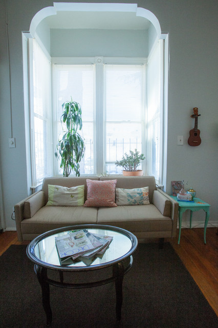 Studio Apartment Traditional Living Room San