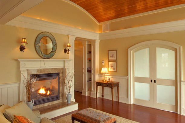 Example of a classic living room design in Charleston