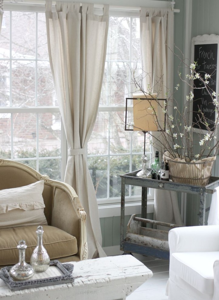 Cottage chic living room photo in Chicago