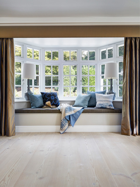Living room - contemporary light wood floor living room idea in London