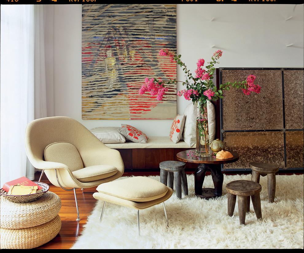 Trendy living room photo in Atlanta