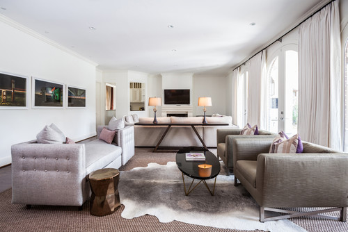 <div><a href='http://www.houzz.com/photos/5367312/Tanglewood-Residence-contemporary-living-room-houston'><img src='http://st.houzz.com/simgs/5191d02d02164a10_8-2471/contemporary-living-room.jpg' border=0 width='500' height='334' /></a></div><div style='color:#444;'><small><a
