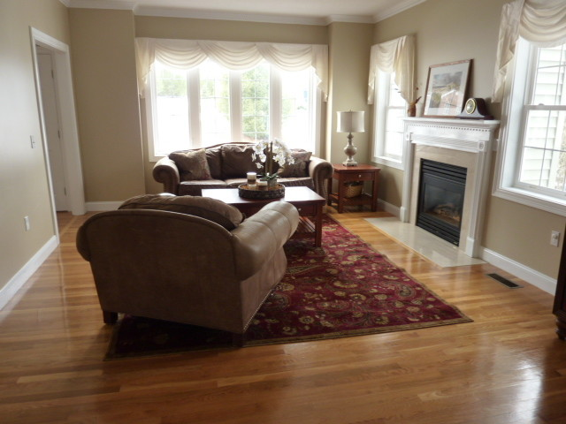 Tanglewood Staging traditional-living-room