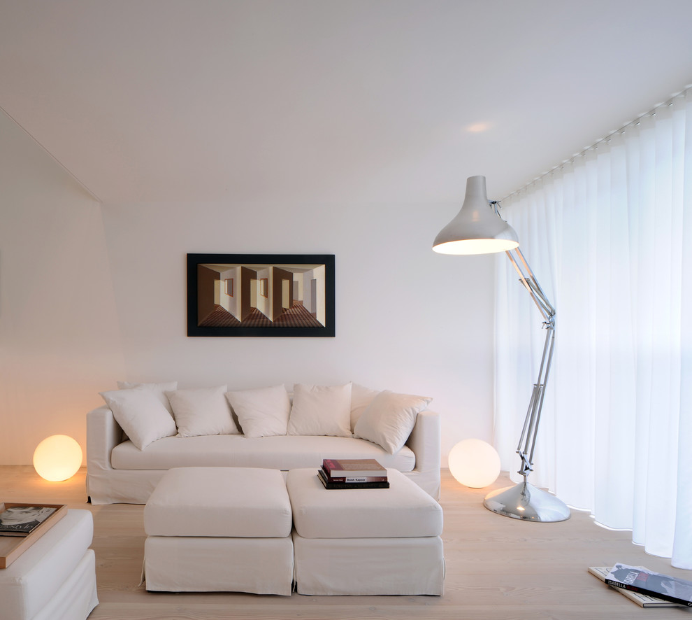 5 Ways to get More Space in Your Small Living Room