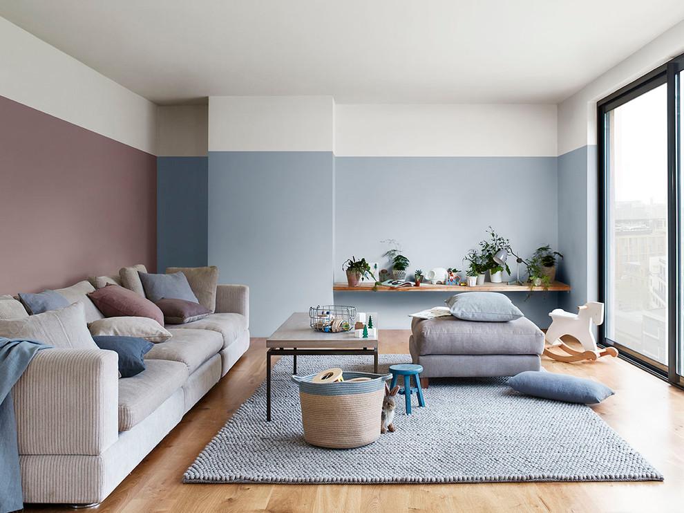 Inspiration for a scandinavian living room remodel in Berkshire