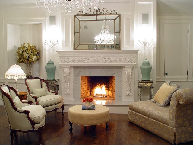 The Hamptons Summer Residence traditional-living-room