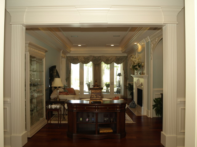 The Landings traditional-living-room