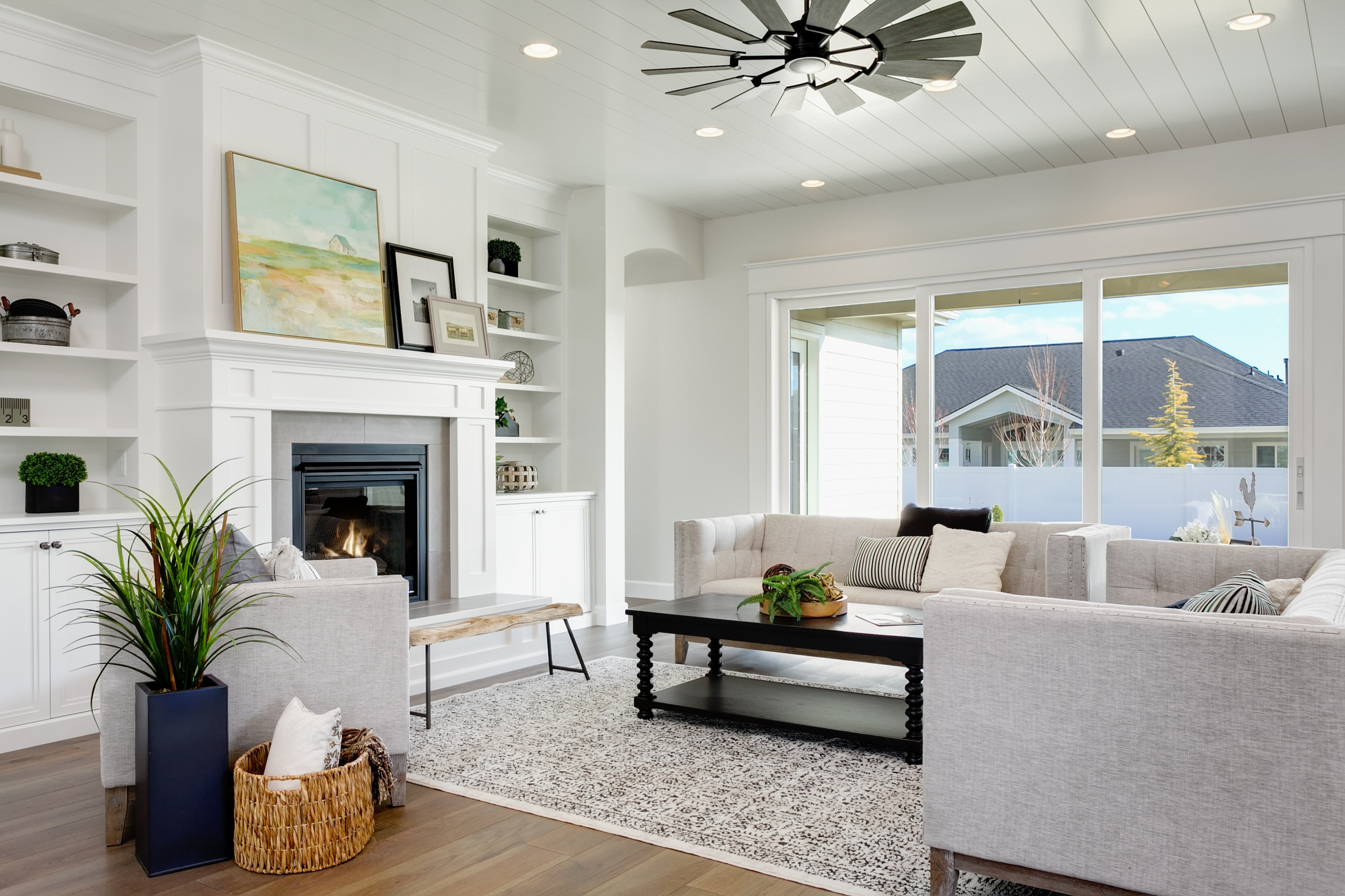 75 Beautiful Transitional Living Space Pictures Ideas December 2020 Houzz