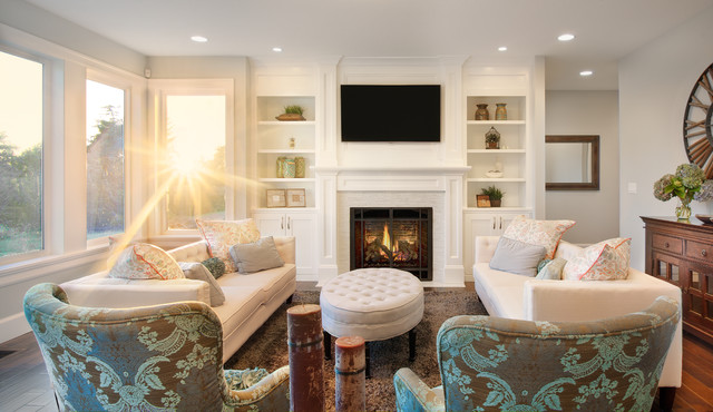The Nantucket Show Home Traditional Living Room