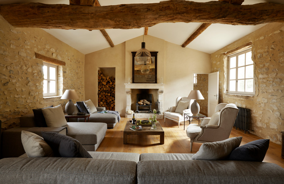 Inspiration for a cottage enclosed living room remodel in Cheshire