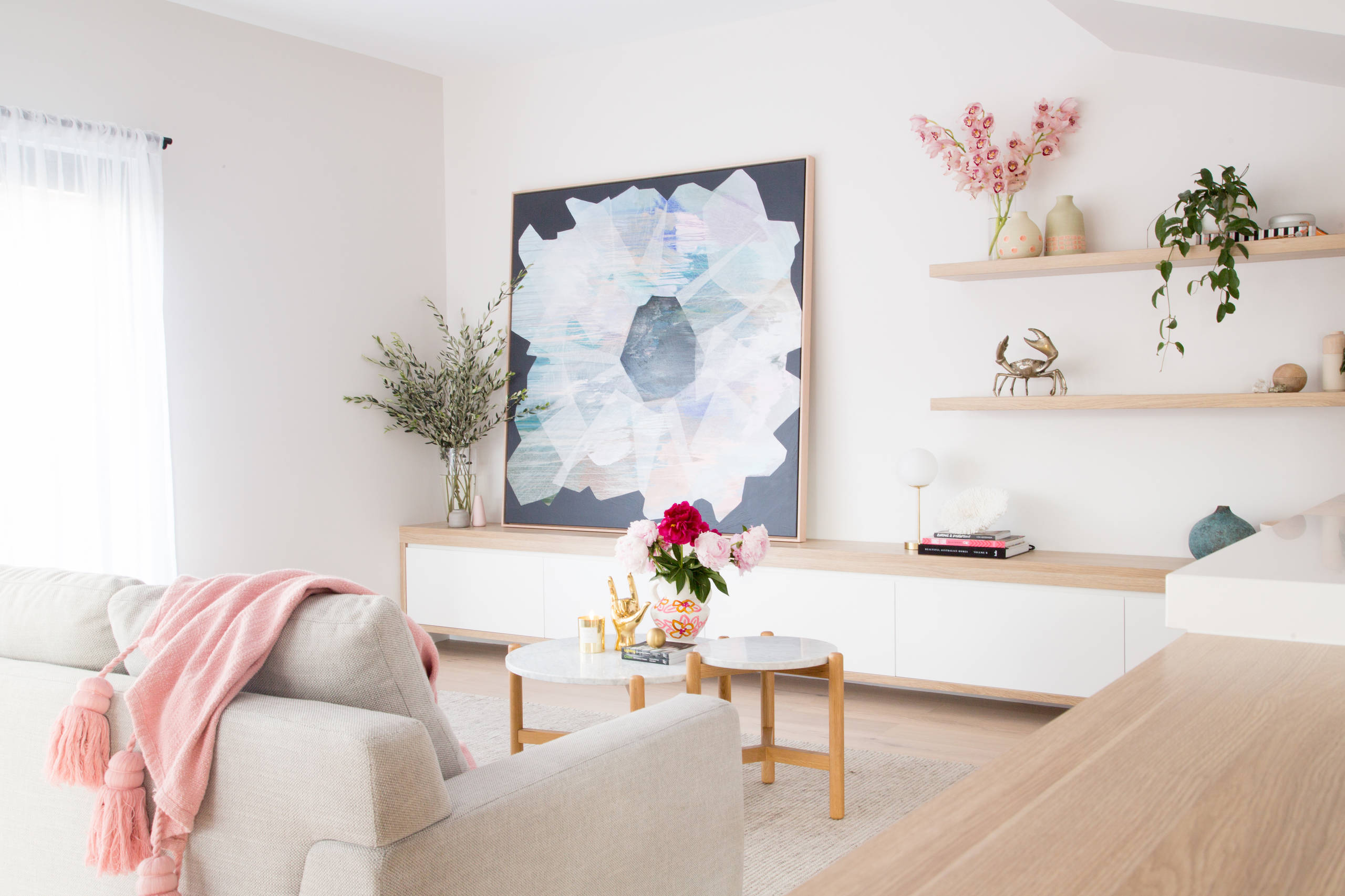 Vases And Flowers Living Room Ideas Photos Houzz